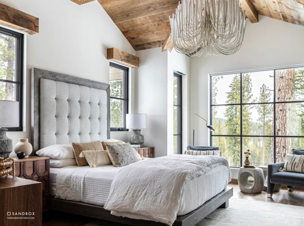 SANDBOX-MARTIS-CAMP-523-MOUNTAIN-TRANSITIONAL-GUEST-BEDROOM-EXPOSED-TIMBER-AMAZING-VIEWS-LANDSCAPE image