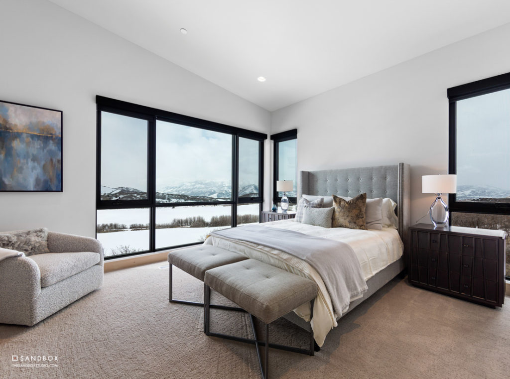 SANDBOX-TALISKER-CLUB-TUHAYE-MOUNTAIN-MODERN-CONTEMPORARY-GUEST-BEDROOM-WITH-AMAZING-MOUNTAIN-VIEWS image
